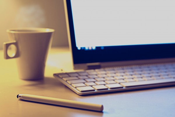 news-beitrag-online-schulungen-laptop